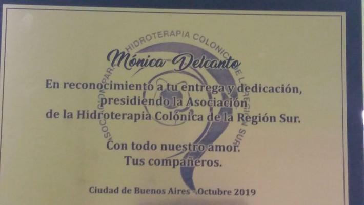 Reconocimiento a la ex presidente de la asociación
